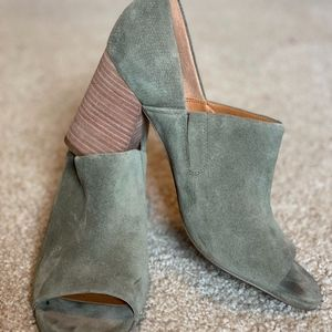 Anthropologie Green Suede Franco Sarto Block Heels